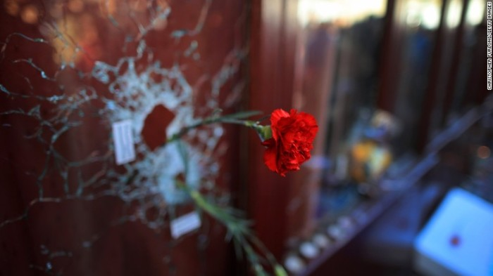 151117122044-paris-attacks-flower-restaurant-terrorism-780x439